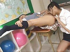 Linda japonesa de pornomexicanos 18 años, hermosa posición en la ventana.