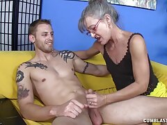 Sexy perforación mientras Cole inserta gran polla amateur mexicana xxx en anal
